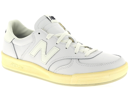 official photos 63a1d c8bb2 baskets basses new balance crt300 blanc